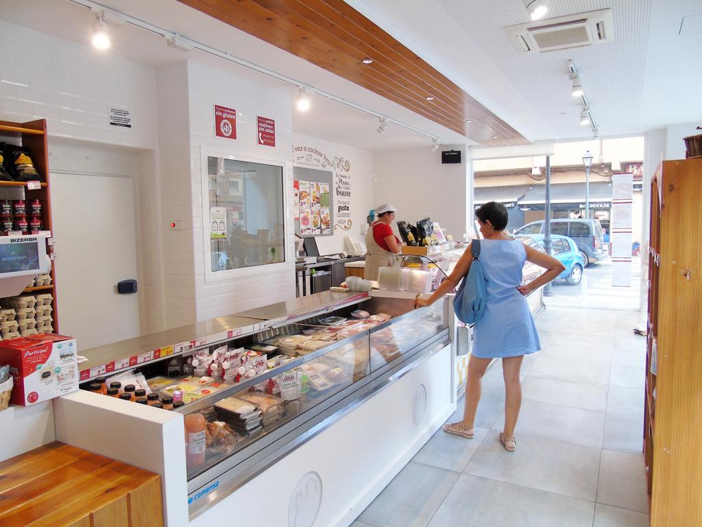 Pollas Planes Proyectos Levante interior tienda